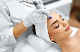 أحدث التقنيات التجميلية للمحافظة على بشرة مشرقة