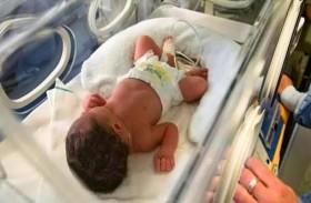 طرد طبيبين بعد استفاقة الرضيع الميت
