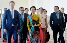 سو تشي تدافع عن بورما أمام محكمة العدل