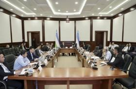 الإمارات تشارك تجربتها الريادية في العمل الحكومي بمؤتمر بأوزبكستان