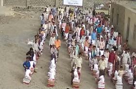 «الهلال» يغيث أهالي قرى يمنية تقع على خطوط التماس مع مليشيا الحوثي