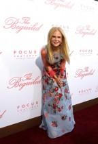 نيكول كيدمان خلال حضورها العرض الأول لفيلم «The Beguiled» في لوس أنجلوس. (رويترز)