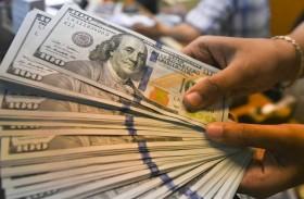 الدولار يرتفع مع بحث المستثمرين عن ملاذ آمن