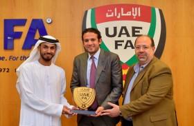 الأمين العام يستقبل وفداً من الاتحاد المصري لكرة القدم