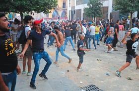 استقالة الحكومة اللبنانية.. وغضب الشارع يتصاعد