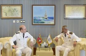 قائد القوات البحرية يستقبل نظيره الفرنسي