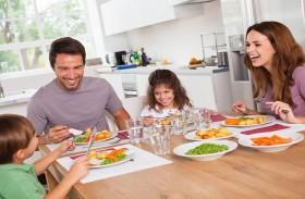 متى يشاركنا الطفل أحاديثنا العائلية؟