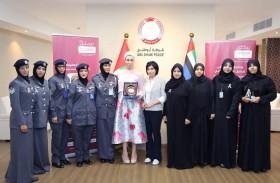 شرطة أبوظبي توعي بالوقاية من سرطان الثدي
