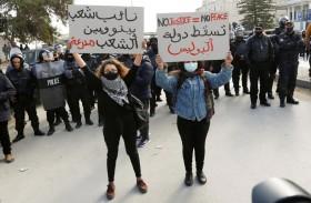 صحف عربية: دعوة لوضع لبنان تحت الوصاية الدولية