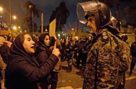 انشقاق واحتجاجات...أسوأ أزمة في إيران منذ عقد