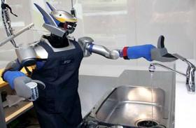 أذرع آلية لتنظيف الأواني بمفردها