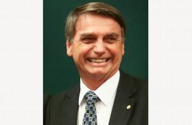 نجل الرئيس البرازيلي يدافع عن تعيينه سفيرا