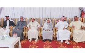 حاكم عجمان يقدم واجب العزاء بوفاة الشيخة حمده بنت أحمد الغرير