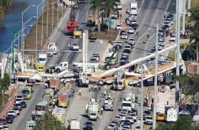 انهار الجسر فقتل أربعة