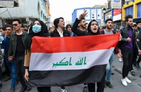 المتظاهرون في العراق يُرشحون ناشطاً لرئاسة الحكومة