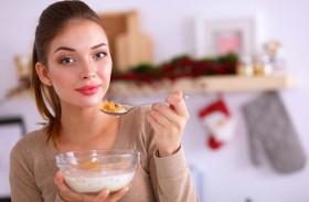 ما الأطعمة التي تمنع الحموضة؟
