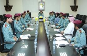 شرطة رأس الخيمة تناقش تطوير الخدمات الأمنية