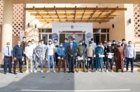 طلبة الجامعة القاسمية  يتلقون لقاح كوفيد 19 في إطار حملة  لأجل الإنسانية