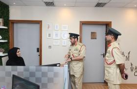 شرطة دبي تبحث سبل تطوير المشاريع الإنشائية والتجهيزات اللوجستية