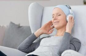 الاستماع للموسيقى تخفف آلام مرضى السرطان