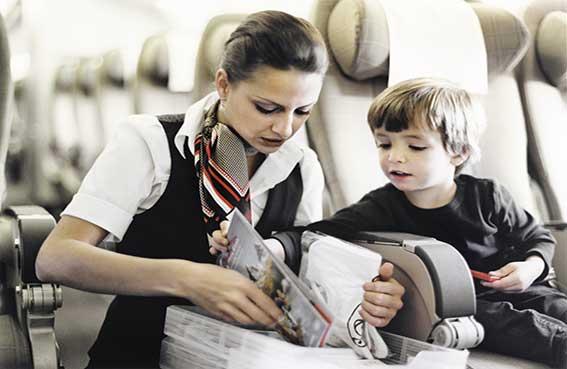 هل السفر بالطائرة آمن للطفل؟