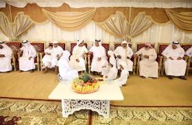 حاكم رأس الخيمة يقدم واجب العزاء لأسرة الشهيد محمد الحساني