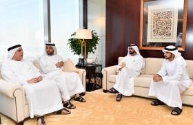محمد بن راشد يستقبل رئيس وأعضاء لجنة الاشراف على دمج الأندية الثلاثة الأهلي ودبي والشباب