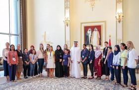 سعود بن صقر يستقبل طلاب أكاديمية رأس الخيمة