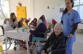 مسنّون أوروبيون داخل مراكز للرعاية في تونس