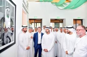 حمدان بن محمد يزور معرض دبي للفنون «آرت دبي»