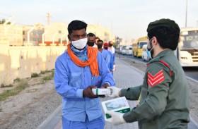 شرطة دبي تستهدف العمال بالحملة التوعوية الصحية «لا تشيلون هم»