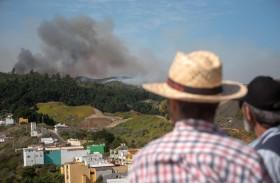 سلطات كناريا تعلن تباطؤ الحريق