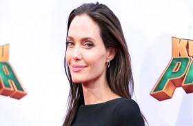 أنجلينا جولي تدافع عن دور الرجل في شخصية المرأة