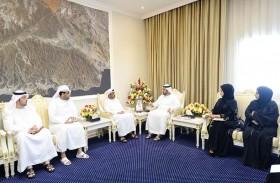 محمد بن حمد الشرقي يستقبل أعضاء مجلس أكاديمية الفجيرة للفنون الجميلة
