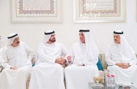 حاكم رأس الخيمة يعزي في وفاة والدة محمد القرقاوي