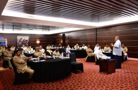 شرطة دبي تُنظم دورة «القيادة المرتكزة إلى القلب»