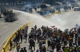 واشنطن تدرج قضاة فنزويليين باللائحة السوداء