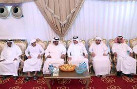 أحمد جمعة الزعابي يقدم واجب العزاء لذوي الشهيدين زايد العامري وصالح بن عمرو