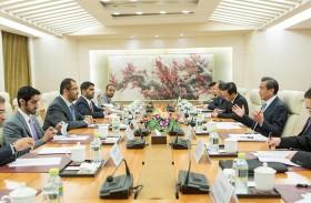 بحث تعزيز علاقات التعاون بين الإمارات والصين