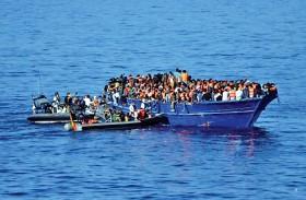 البحرية الليبية تنقذ مئات المهاجرين