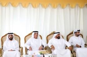 حاكم رأس الخيمة يقدم واجب العزاء بوفاة حارب محمد الشامسي
