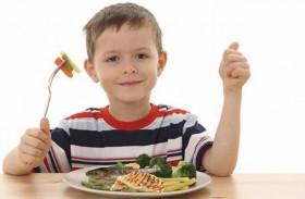 تناول الأسماك الدهنية يحدّ من أعراض الربو لدى الأطفال