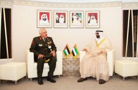 البواردي يلتقي رئيس الأركان الأردني في معرض دبي الدولي للطيران 2019