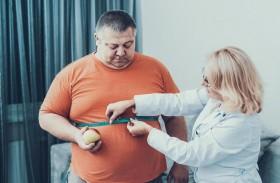 كيف يؤثر النومُ في وزن الجسم ويقودك إلى مخاطر السمنة؟