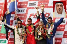 سلطان بن خليفة يهنئ الفرق الإماراتية بتفوقها ببطولة العالم لزوارق الفورمولا1