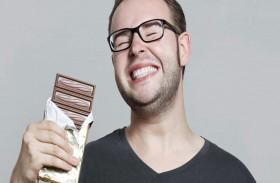 فقط للرجال..احذروا الإكثار من تناول الشوكولاته!