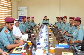 لجنة الإدارة التنفيذية بشرطة أبوظبي تناقش فرص التحسين والتطوير