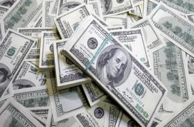 الدولار يتراجع مقابل الين بفعل سجال الإصلاح الضريبي
