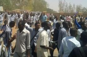 السودان يعتقل صحفيين يغطيان الاحتجاجات