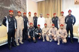 محمد الشرقي يستقبل الفريق المشارك في الاستعراضات الجوية احتفالا باليوم الوطني الـ 46